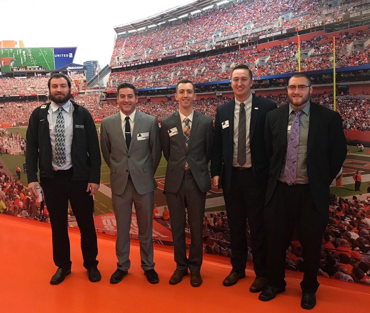 @mountunion Sport Biz students finish needs analysis meetings for @Browns sponsorship project. Back with proposals Dec 14. #realworld <br>http://pic.twitter.com/6rusjZO37u &ndash; à Cleveland Browns Training Facility