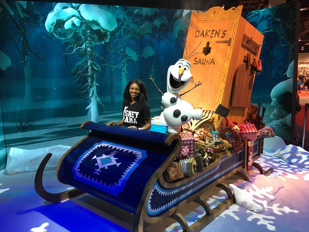 We can&#39;t wait to see @pixarcoco and Olaf&#39;s Frozen Adventure! Is anyone planning on seeing it this weekend!? #PixarCoCo  @DisneyD23 @DisneyMoms #D23Expo <br>http://pic.twitter.com/uex3tAiLXd