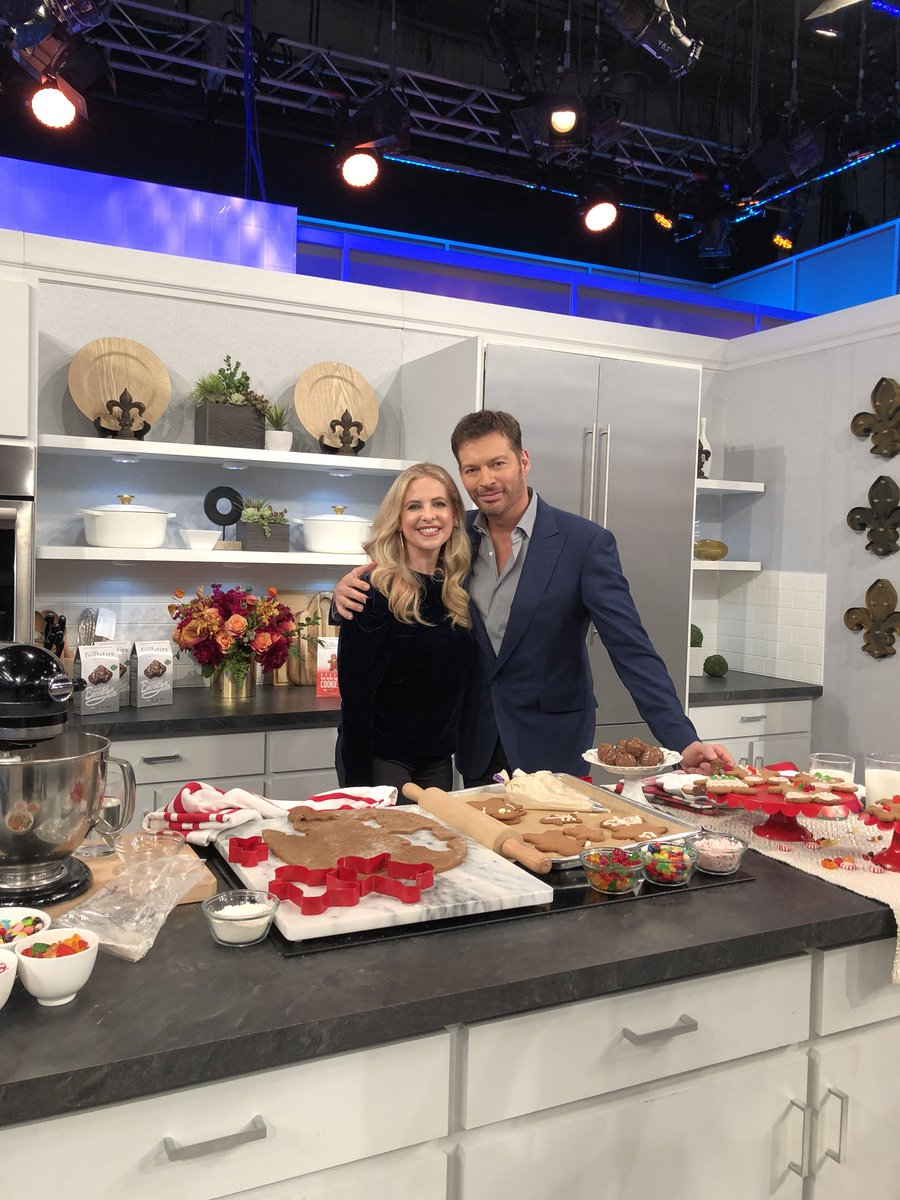 .@HarryConnickJR catch me in this mans kitchen tomorrow!! #harrytv #foodstirs