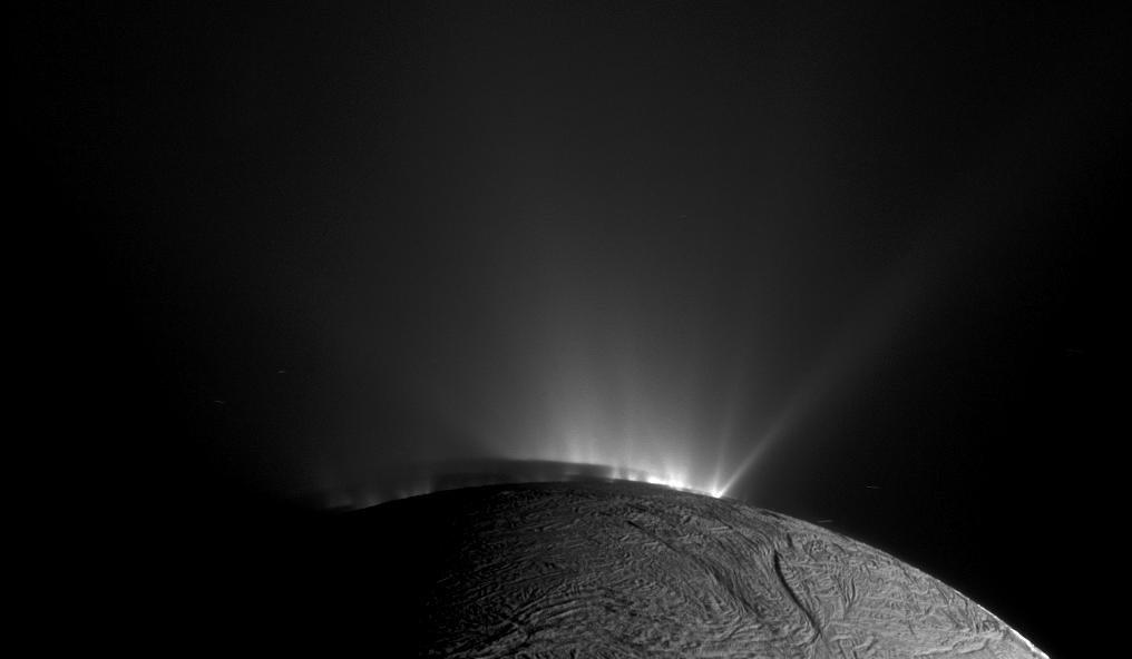 On l'a dit : les découvertes sur Encelade sont ébouriffantes  #CNESTweetup https://t.co/qG2VlkJqPU