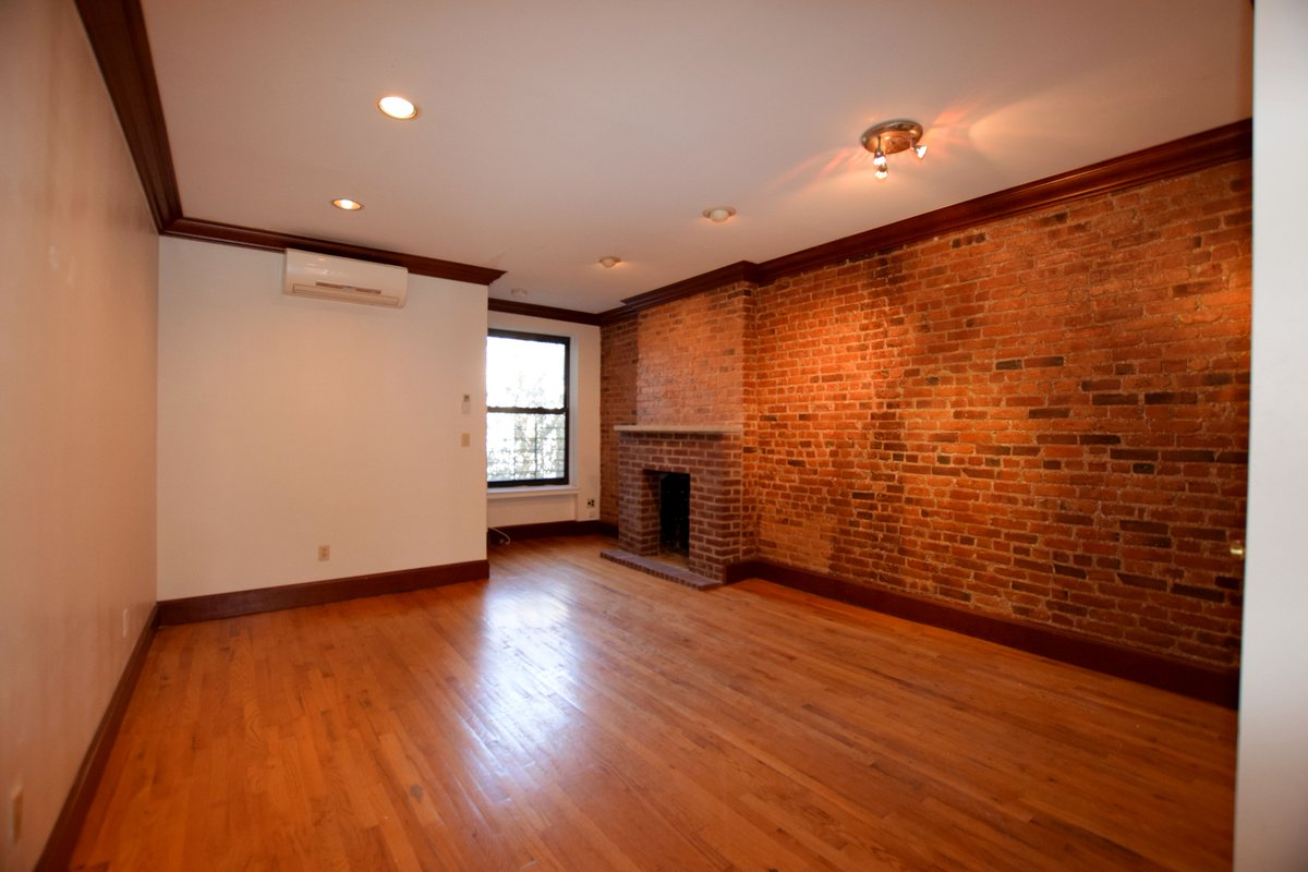 ... #brownstonerealestate Https://www.brownstonelistings.com/carroll  Gardens/apartment For Rent/president St/1319 U2026pic.twitter.com/twsgbqItrO