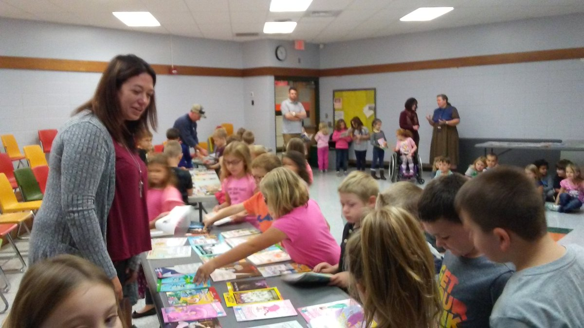 test Twitter Media - First graders at Port Allegany Elementary School show off their new books from a recent @RIFWEB book distribution. UGI Is proud to celebrate 26 years of partnering with RIF to provide books to students throughout our service territory. https://t.co/8TToFntAvl