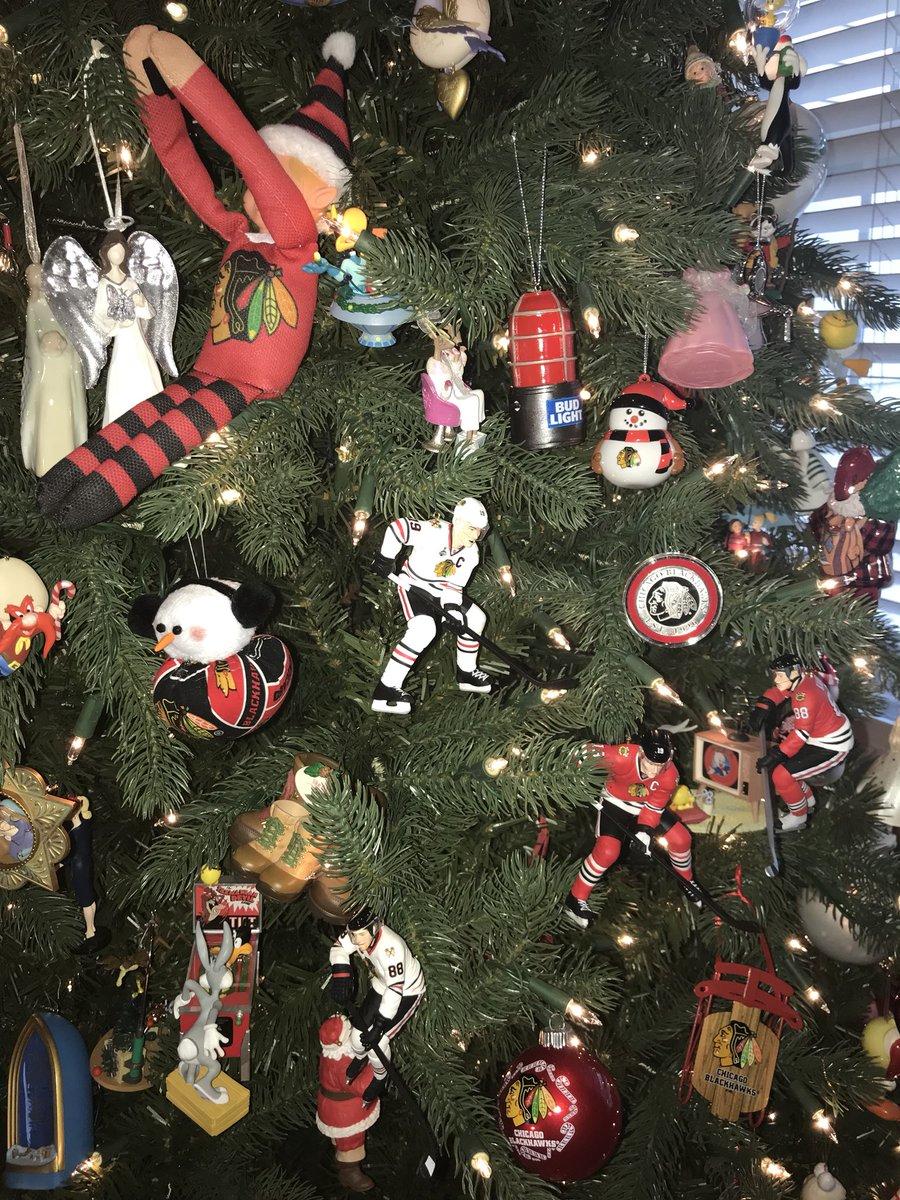 0 replies 0 retweets 0 likes - Blackhawks Christmas