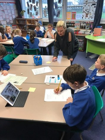 P5/6 discussing whether there should be a smoking ban or not, practising persuasive writing skills &amp; finding out how it affects our health with the help of Mrs Scott #informed <br>http://pic.twitter.com/atB28G2ukY