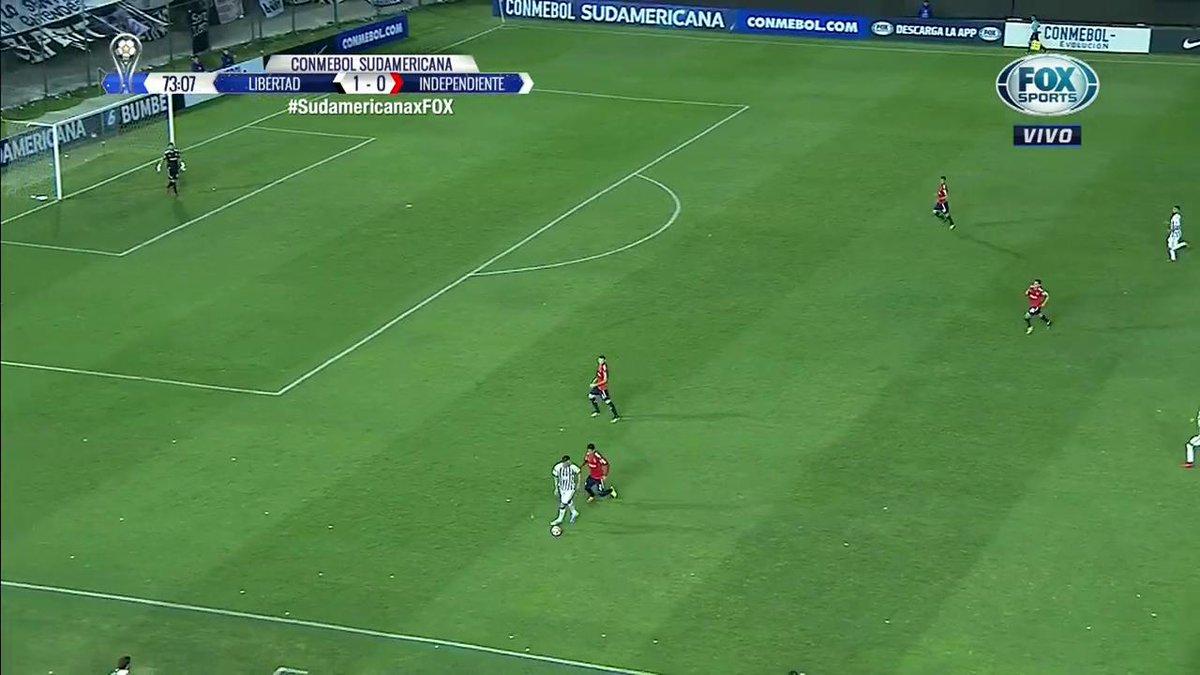 RT @FOXSportsArg: ¡EXPULSADO! #SudamericanaxFOX   Tacuara Cardozo vio la roja por un fuerte golpe a Alan Franco. https://t.co/oUtYfG7nwu