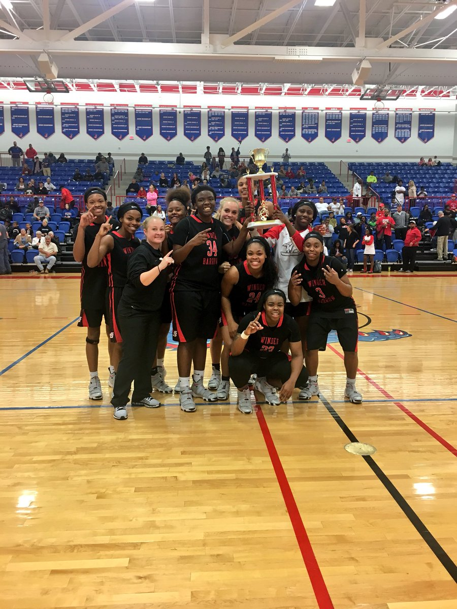 Doggs come back in an overtime win 63-55 to be the CHAMPIONS OF THE TOURNAMENT!!   1. Latrice Perkins scored her 1000th point this game. She will be honored next Tuesday.  2. Jakayla Sullivan was chosen as the tournament Most Outstanding Player.   #2more #fam #ringchasing<br>http://pic.twitter.com/tCrox5z1ey &ndash; à Jefferson High School