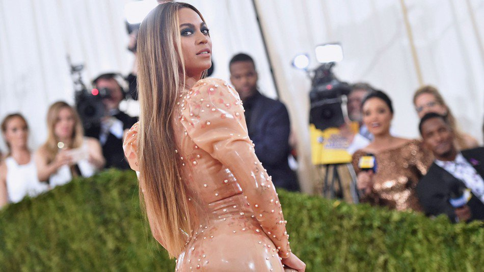 RT @mashable: Beyoncé beats Adele and Taylor Swift as the highest paid woman in music https://t.co/tmamwWGPD7 https://t.co/Qegu8porw4