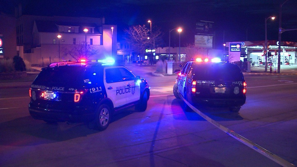 Pedestrian 'intentionally' hit by vehicle after fight on Milwaukee's south side https://t.co/GupO1THAJS