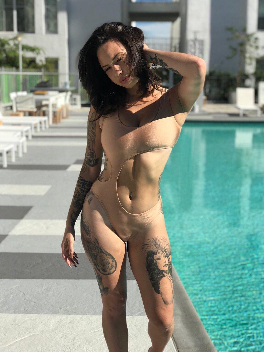 Penelope menchaca desnuda fake