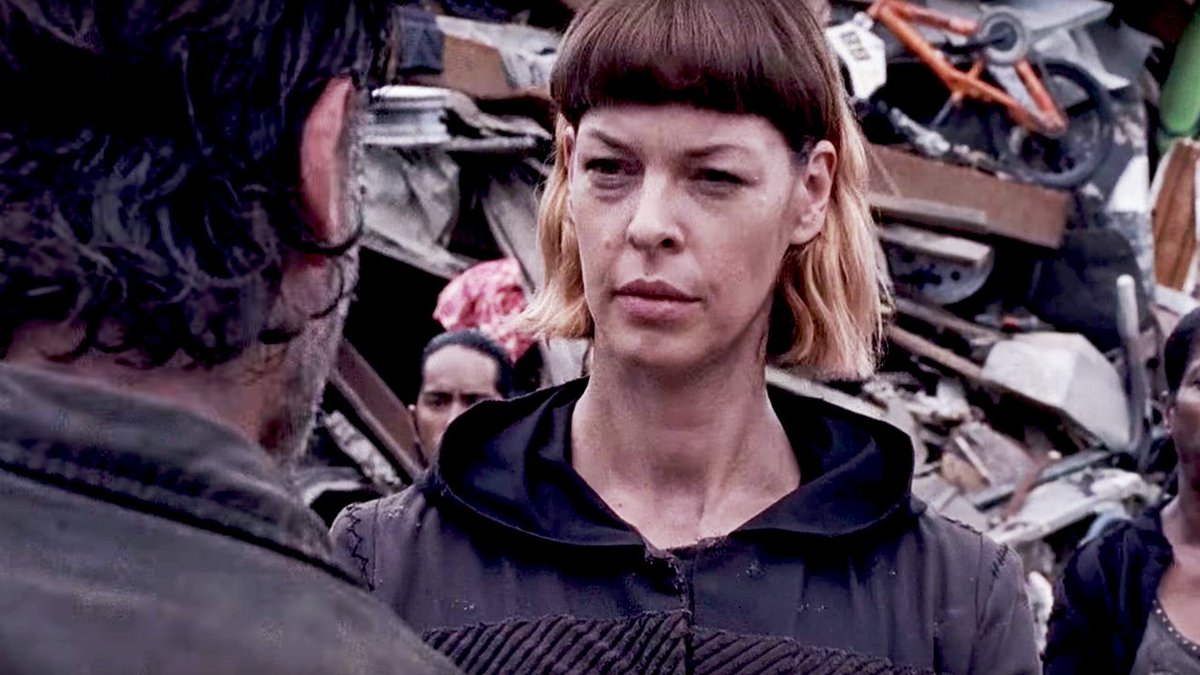 Oh sh*t, Jadis is back in the trailer fo...