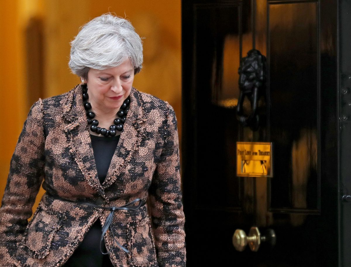 May offers concessions to keep flagship Brexit bill on course https://t.co/B1MBQECdWa