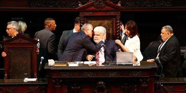 TJ anula sessão da Assembleia que soltou deputados  https://t.co/jX6G68h4tJ