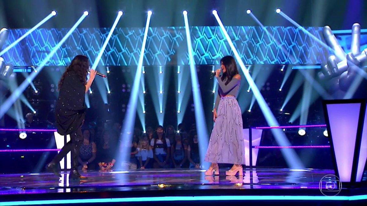 Uau! Day e Mariana coleho cantaram 'Swea...