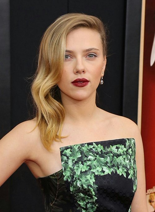Happy Birthday To An Awesome Actress Scarlett Johansson!
