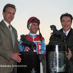Goodbye, David Cassidy, whose death was just announced (here at right, with @SimonTVG and Jerry Bailey, after Cigar's first stakes win, the NYRA Mile). David sure loved racing - and he knew it very well! And he was always so nice to fans along the way, flashing that famous smile.