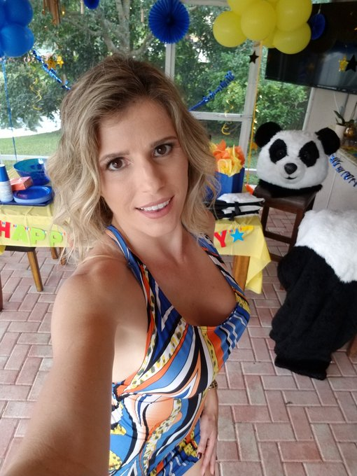 Yes, all this happened today! Stay tuned! @RealityKings #MILFHunter #HappyBirthday https://t.co/A7rR