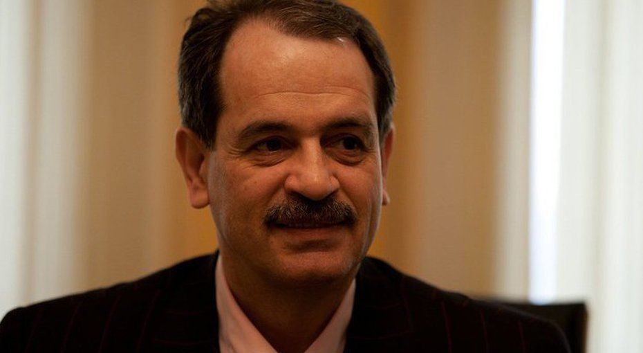 Mohammad Ali Taheri is only a teacher who dedicayed his life to awakening people and spread peace and love massage. His 2 complementary theraputic system helped thousands of people. He shouldn&#39;t be in prison. #FreeTaheri  #Taheri_movement #HumanRights<br>http://pic.twitter.com/uBSWjo2yTe