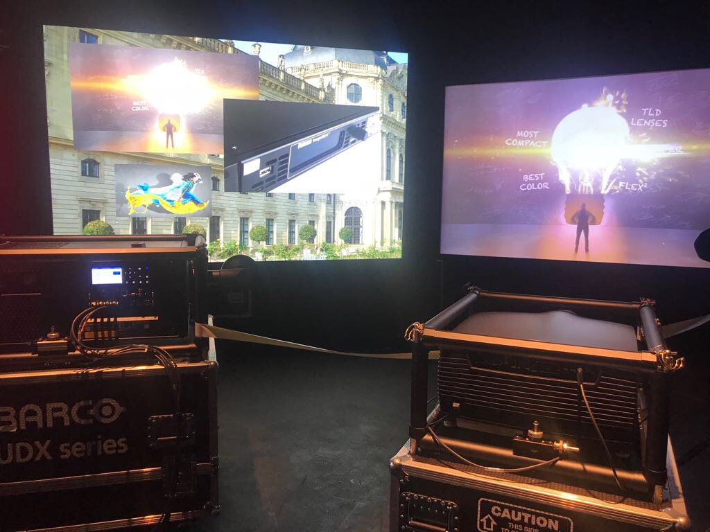 At the @Barco UK Showcase today in London where we support the event with our HomeScreens with HD Progressive. Nice how high performance projectors and high resolution projection surfaces perform together! #quality <br>http://pic.twitter.com/Z52GxTaHjk