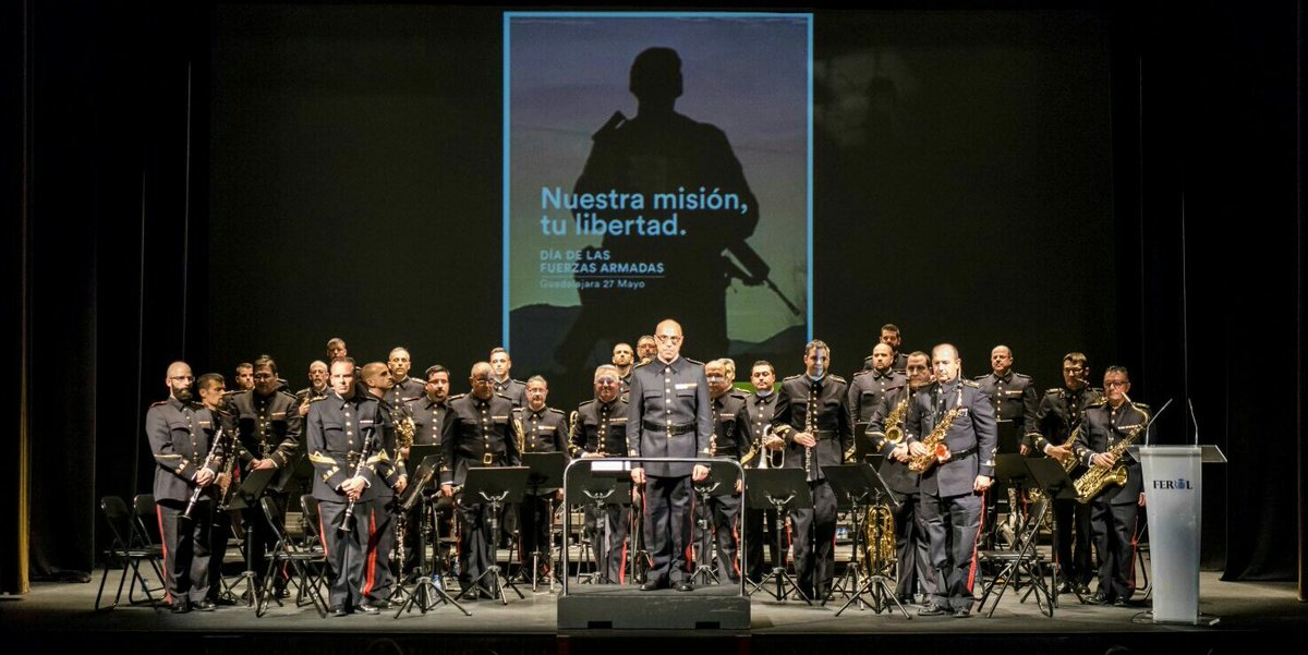 #BuenosDías ¡Muchas felicidades!  a nuestros músicos por #SantaCecilia, Patrona del Cuerpo de Músicas Militares https://t.co/ATZpQiwgh2