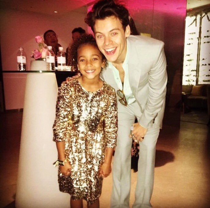 #New | Harry with Jasmine Tookes sister at the VSFS After Party, 11/20 (via thelittleskittle) <br>http://pic.twitter.com/TZ12l6qx7X