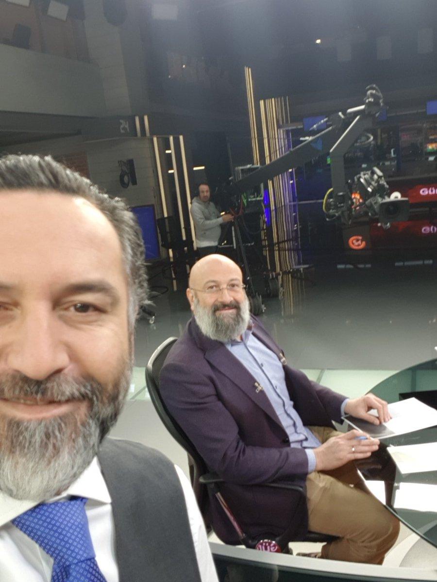 RT @Muratcicek24tv: Başlıyoryuz. @yirmidorttv @hikmetgenc https://t.co/rm9x7hZNdA