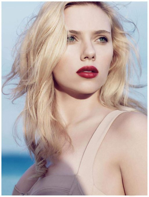 Happy Bday Scarlett Johansson!