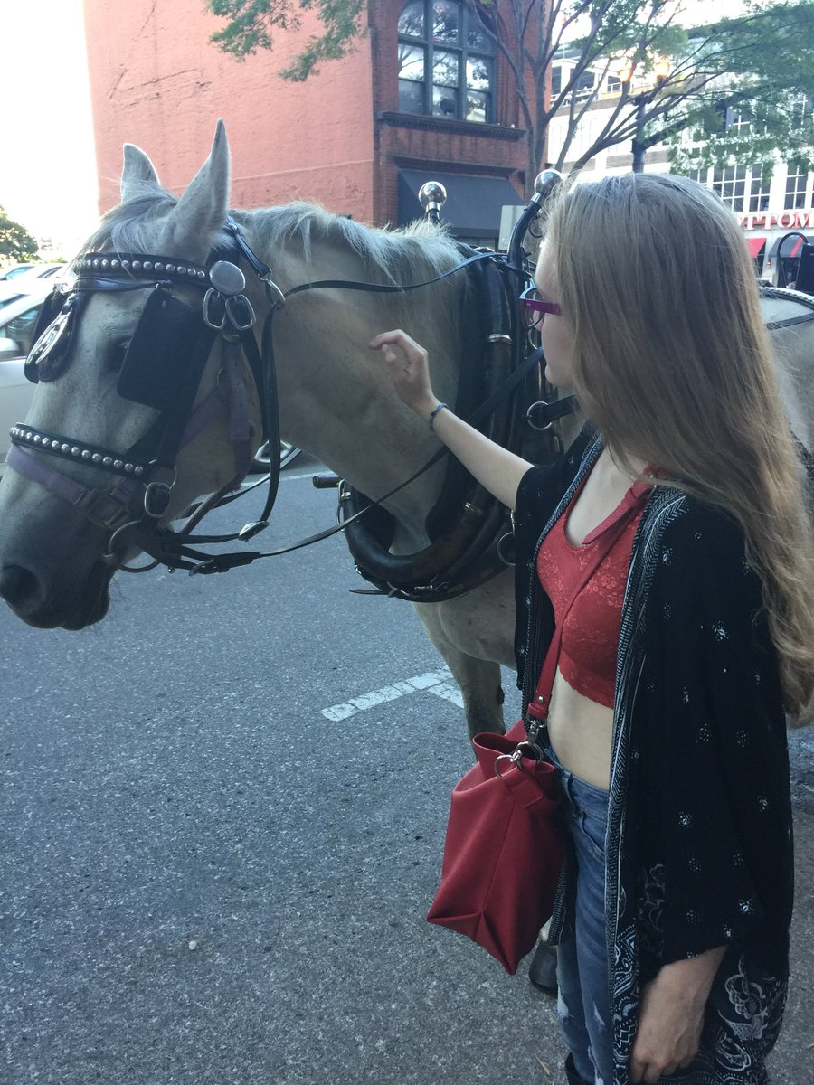 Enjoy the little things in life! #love #animals #horses #nashville #musicblogger  http:// instagram.com/p/BUsImp1g6nB/  &nbsp;  <br>http://pic.twitter.com/Z85mGSLvSJ