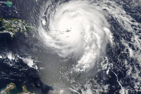Comunidade internacional promete US$ 1,4 bi de ajuda ao Caribe após furacões. https://t.co/Wq0DhDdC0H 📷 Divulgação/Nasa