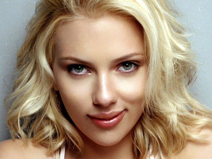 Scarlett Johansson is 33 today Happy Birthday Scarlett