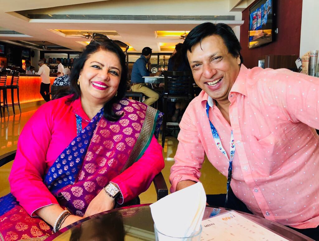 Proud of my mama! Yes producer ma'am!! something must be really funny @imbhandarkar lol @PurplePebblePic ❤️�� https://t.co/SJ91LUw03Q