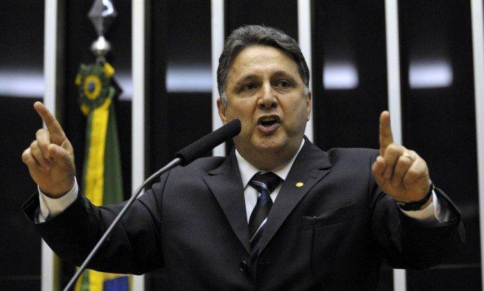 @policiafederal Garotinho atribui sua prisão a 'mais um capítulo de perseguição desde que denunciou Cabral'.https://t.co/n4MxeFd3hD  https://t.co/Sz