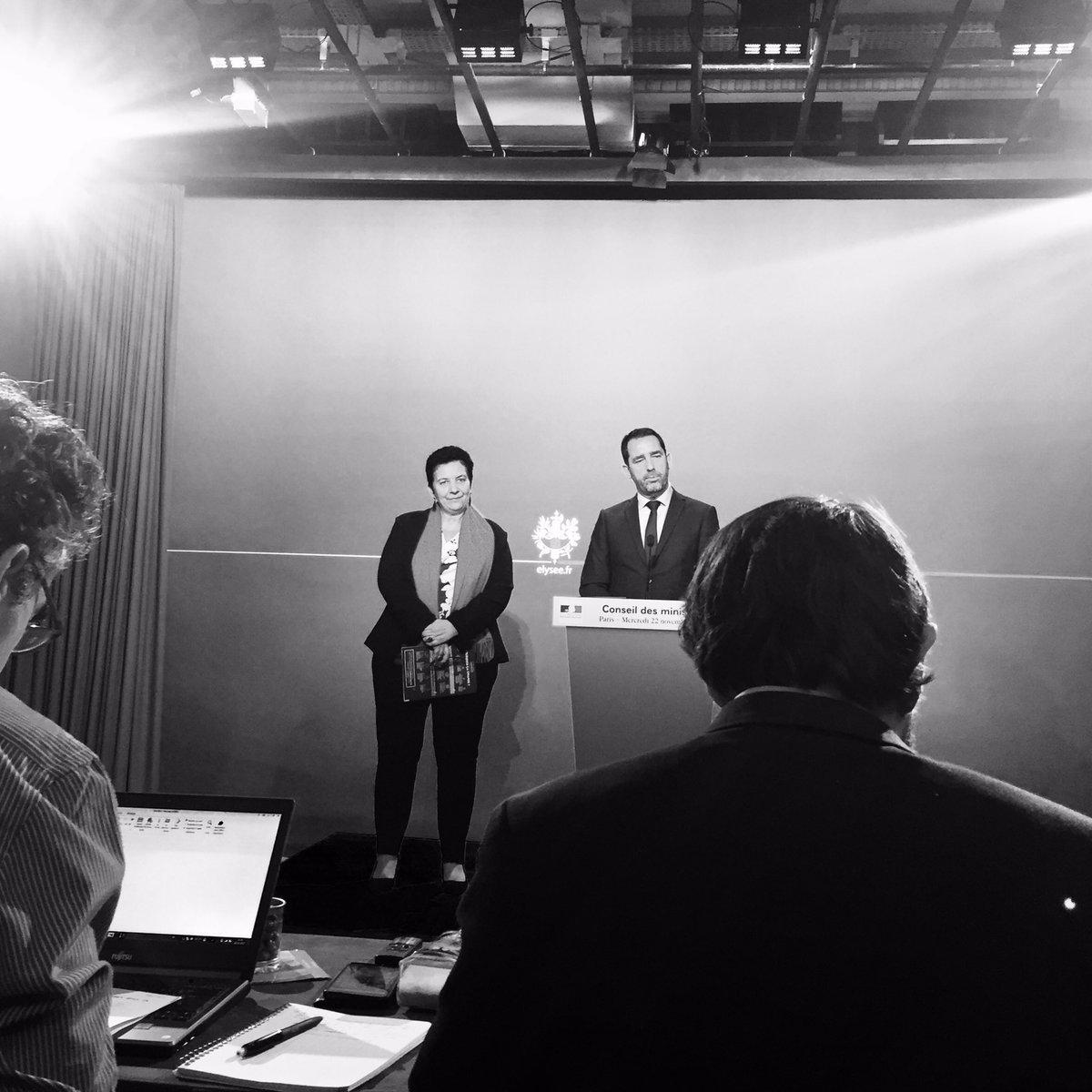 Deuxième dernier conseil des ministres de @CCastaner comme porte-parole du gouvernement.