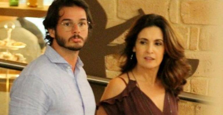 Na TV, convidada elogia novo namorado de Fátima Bernardes e apresentadora dá resposta surpreendente . Veja o que rolou --> https://t.co/fw3RADMZA8
