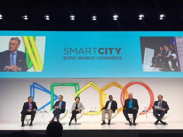 Led by mayor John Jorritsma, Brainport was on a Smart City mission in Barcelona -  https:// e52.nl/en/brainport-s mart-city-mission-barcelona/ &nbsp; …  #SmartCityExpo #Eindhoven #Barcelona [VIDEO]<br>http://pic.twitter.com/8Z6xsA0bXw