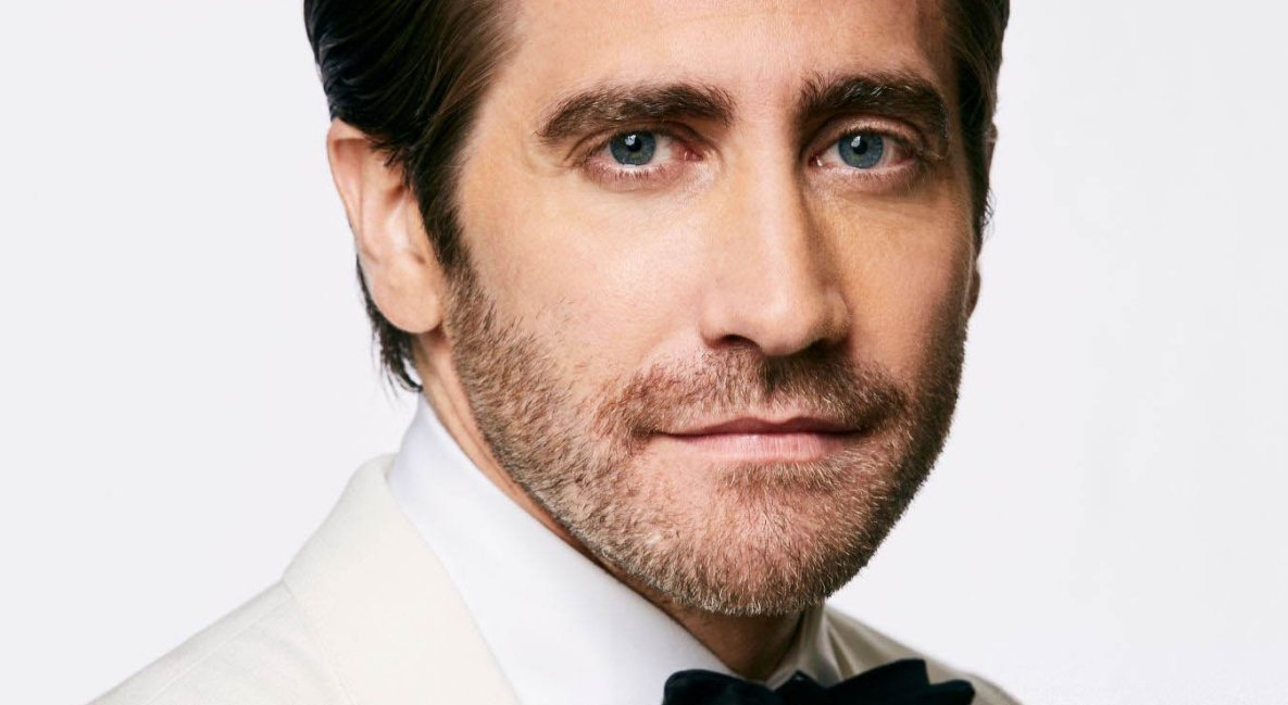 Jake gyllenhaal stripping by holtthatthought