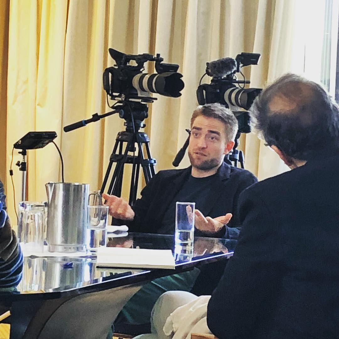 #RobertPattinson #NEW Athens Press Junket`s || Good Time Promo    https://www. instagram.com/p/BbzFHNcHkVL/  &nbsp;   /  https://www. instagram.com/p/BbzLJ9og6Cd/  &nbsp;  <br>http://pic.twitter.com/AahXn2vY7f