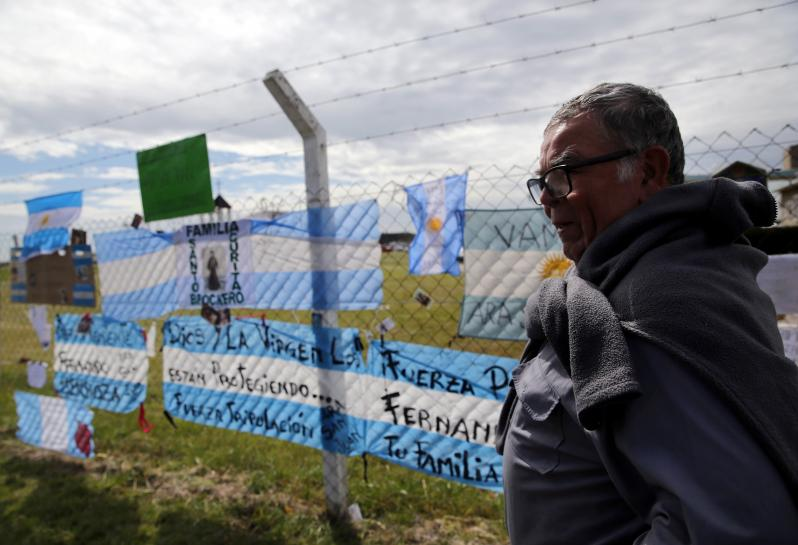Search for missing Argentine submarine reaches 'critical phase' https://t.co/eEDXmkAZ9P https://t.co/XhcDFHbmNc