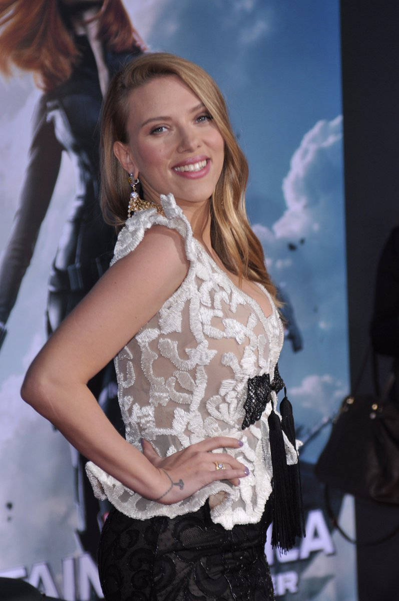 Happy birthday Scarlett Johansson!!! She\s pictured at the premiere of The Winter Solider in 2014.
