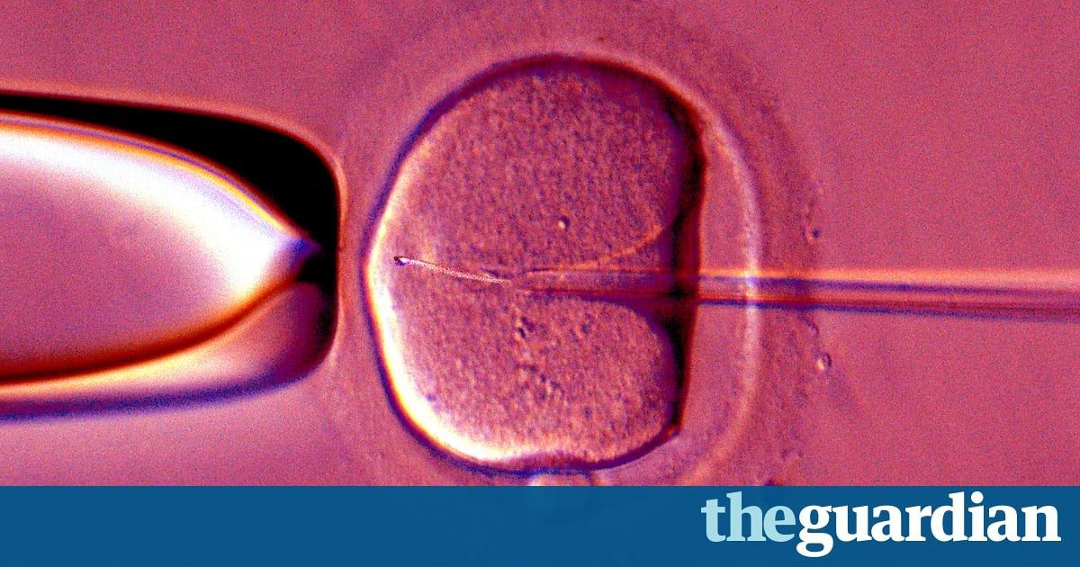 Do celebrities have a responsibility to reveal their IVF?  In Europe, 77% of #IVF treatments fail – and doctors have suggested that famous people should be more honest about their #fertility to combat the spread of misinformation...   https:// buff.ly/2zV8enq  &nbsp;   (via @guardian)<br>http://pic.twitter.com/6zcmHN46W0