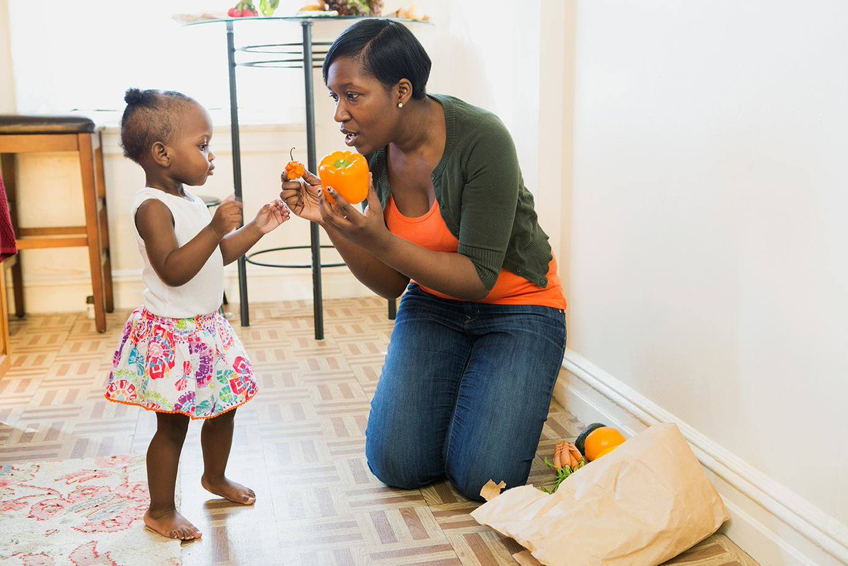 Grocery shopping? Your child can help unpack! Give hints for where things go. Categorizing helps your child make connections #VroomTip <br>http://pic.twitter.com/QjnRvdW30i
