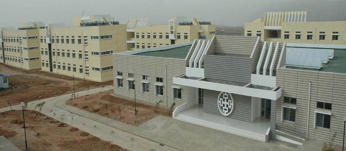 #Eritrea 's development policy is rooted in ideas which stress the symbiotic relationships between #education and #Growth, #infrastructure, and #superstructure, with the former clearly determining the latter.  http://www. shabait.com/articles/natio n-building/25231-renovation-and-expansion-of-adi-keih-college-of-arts-and-social-sciences- &nbsp; … <br>http://pic.twitter.com/AF10uTG6ZT