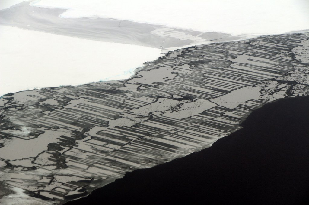 imagem pra pensar na vida: The Beauty of Ice via NASA https://t.co/Xne9LvhUsk