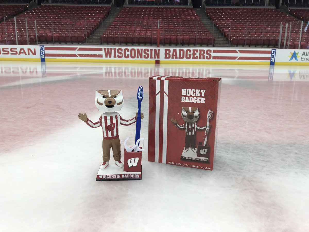 Wisconsin Hockey On Twitter Sunday Is Fun Day At Kohl Center