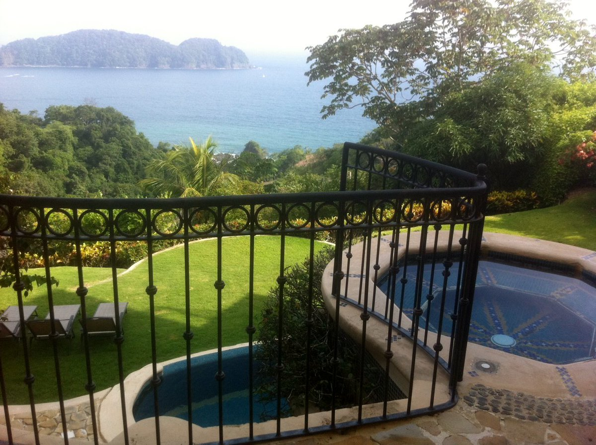 Check out this #villa, located in #CR, #Puntarenas, #FaroEscondido!  http://www. mondinion.com/md/2573775/vso urce/twitterapp/ &nbsp; …  #MondProp<br>http://pic.twitter.com/YIPc81VJUb