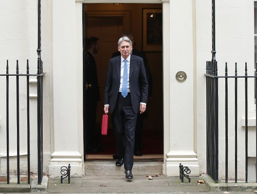 Public sector pay caps, IR35 and investment in skills – read our HR lowdown on the Autumn Budget 2017  http:// bit.ly/2jL48Ya  &nbsp;   #Budget2017 #HRnews #BudgetDay <br>http://pic.twitter.com/hVde3Rv8nS