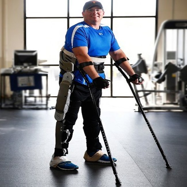 A hero is an ordinary individual who finds the strength to persevere and endure in spite of overwhelming obstacles.  Vanderbuilt Exo-skeleton, In-Motion Crutch  https:// millennialmedical.com / &nbsp;   #Disability #Motivation #Positivity #Crutches #Mobility #Mobilityaid #Inmotion #Crutch<br>http://pic.twitter.com/E1L6HglbCT