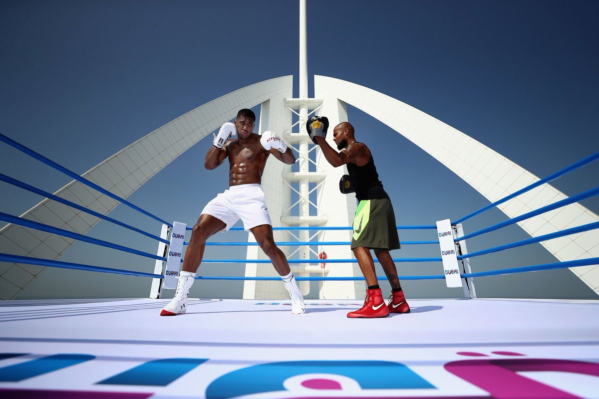 RT @Sporf: WOW: @AnthonyFJoshua training in a Boxing ring....on the top of Dubai's Burj Al Arab. 😳🥊👌 https://t.co/DD41fVIvJt