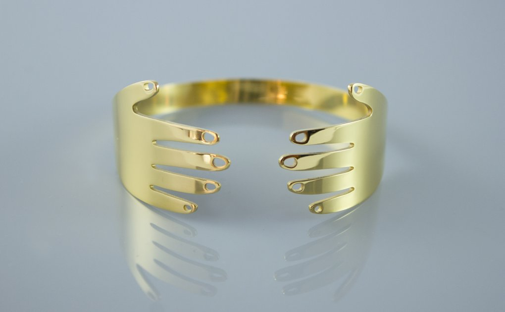 A Hand Bangle for #HandmadeHour  <br>http://pic.twitter.com/RFcoeXDyem
