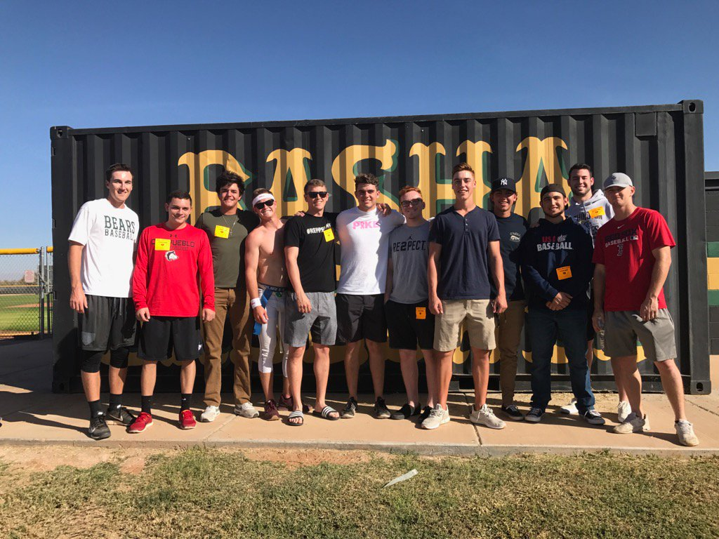 Thank you to the Basha Baseball Alumni for coming to the Annual Turkey Bowl! We miss you! #buildingbasha #community <br>http://pic.twitter.com/0wqRdkZigG