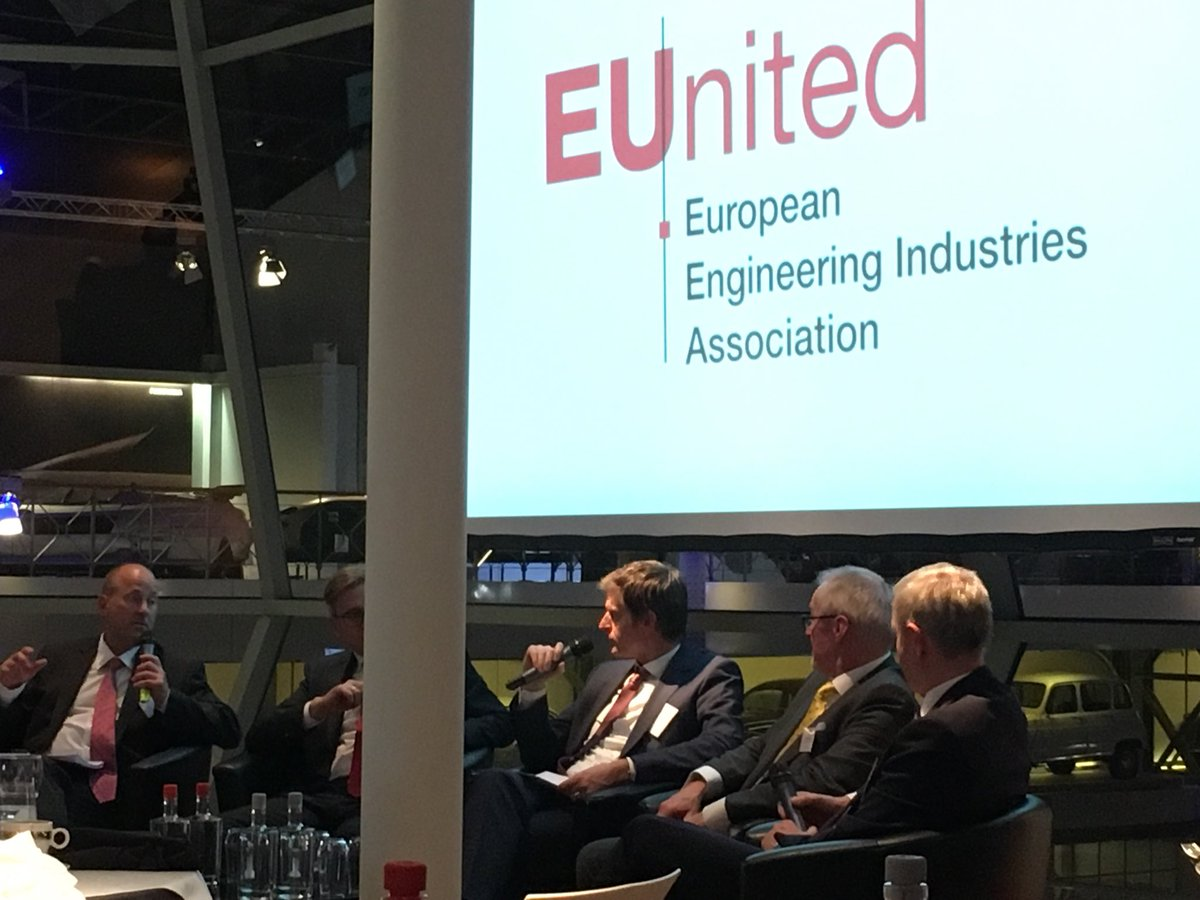 #Autoworld #EUnited, interesting coversation about #Brexit<br>http://pic.twitter.com/VdvU9YmjTZ